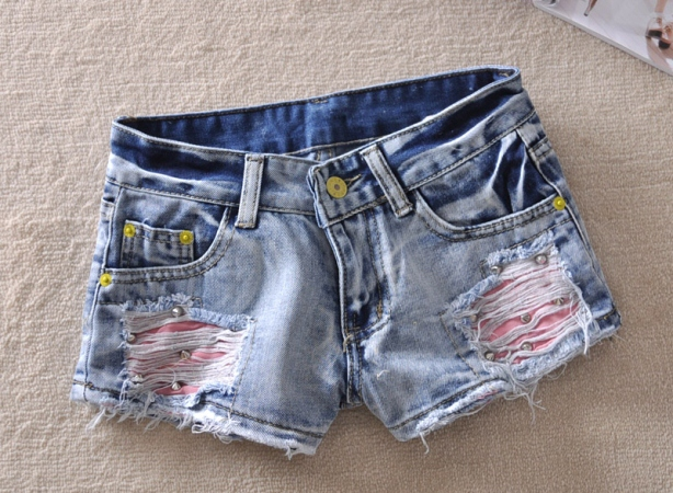 Как сделать рваные шорты из джинсов своими руками