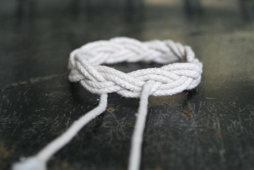 Браслеты из веревок своими руками