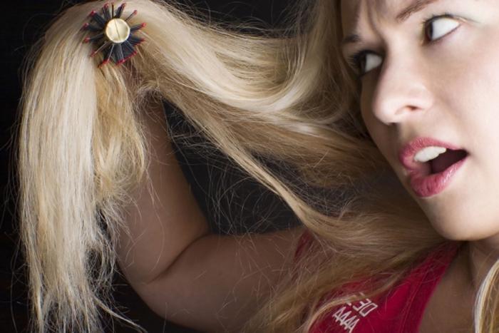 Можно единица спасти непроходимо секущиеся волосы?