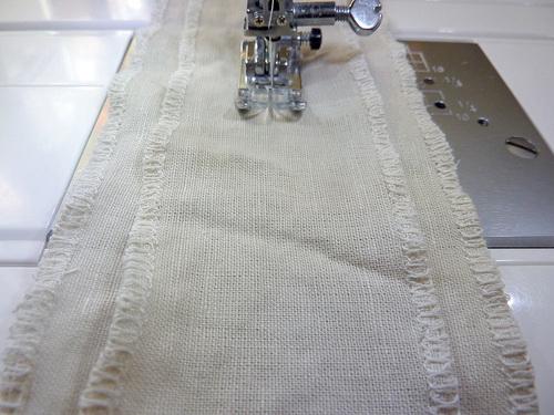 Декоративные подушки-валики своими руками