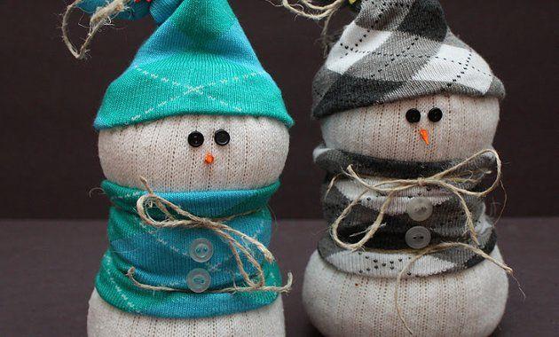 Снеговик из носка и риса своими руками