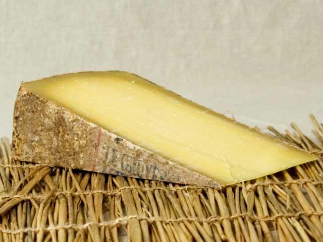 Пармезан: нежели заменить «король сыров»?