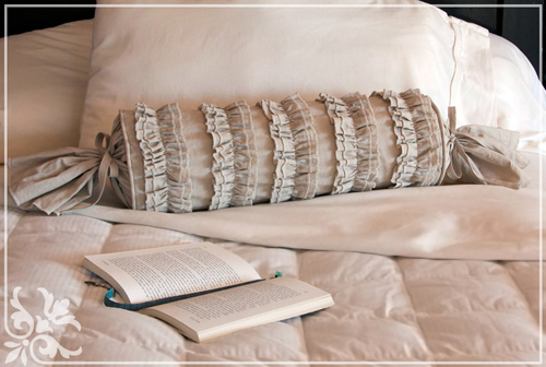 Подушка-валик своими руками мастер класс фото