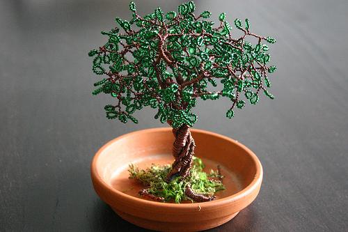 Деревце из бисера