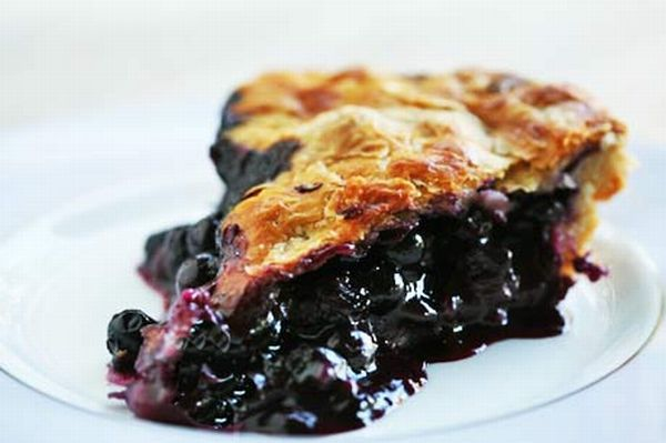 Пирог с черникой: ровно приготовить на мультиварке?