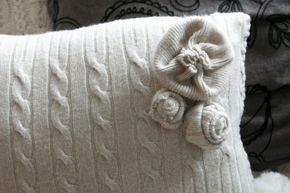 Подушка из свитера своими руками