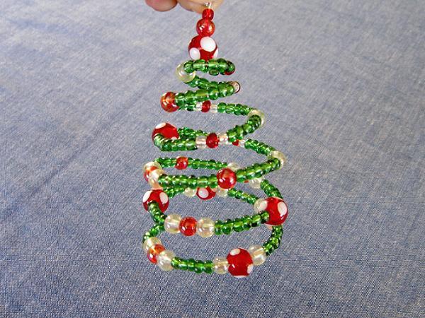 Поделка елка из бисера