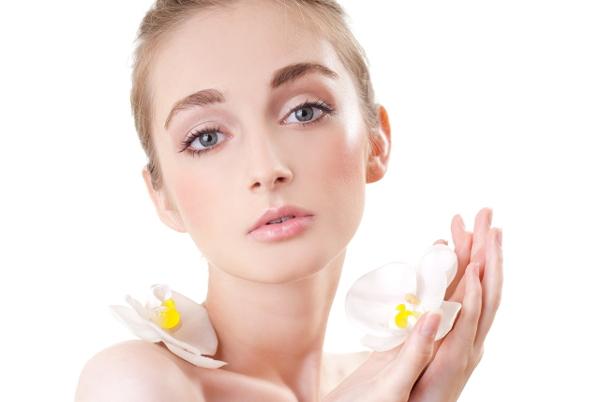Искусство красоты: кой макияж  в  школу выбрать?
