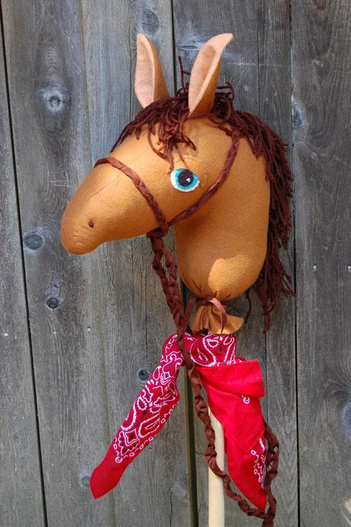 Как сделать лошадь на палке