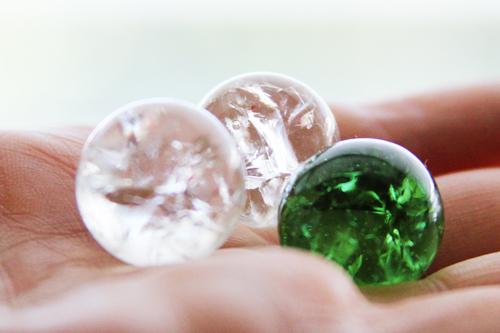 Необычные стеклянные бусины своими руками
