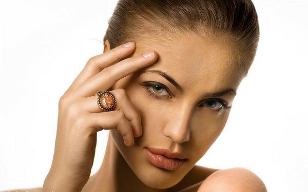 Как сделать брови густыми и красивыми?