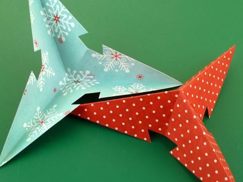 Поделка на Новый Год и Рождество - звезда на елку из бумаги