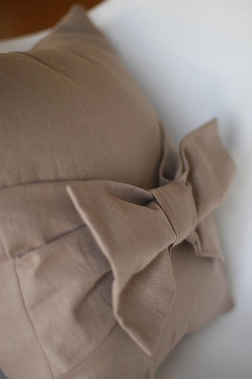 Подушка с бантом своими руками