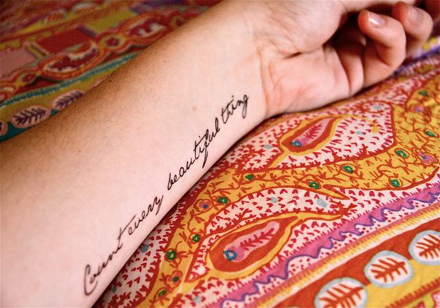 Татуировки на руке для  девушек: эскизы