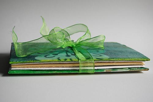 Как сделать книгу из  бумаги - том малышка