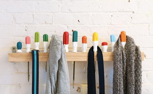 Настенная вешалка для одежды своими руками