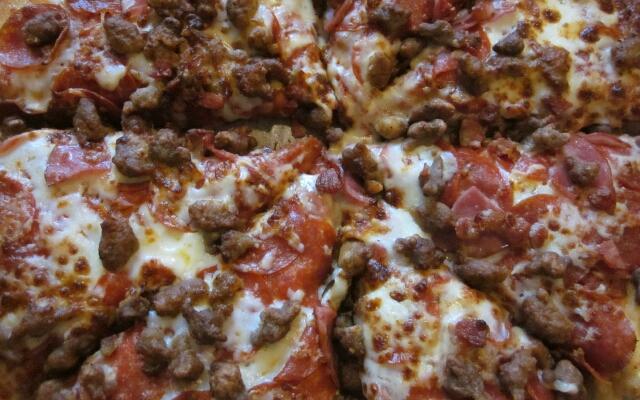 Быстрая пицца: 5 рецептов приготовления на сковороде