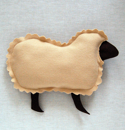 Подушка в виде овечки своими руками