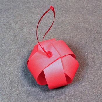 Новогоднее украшение - елочный шар