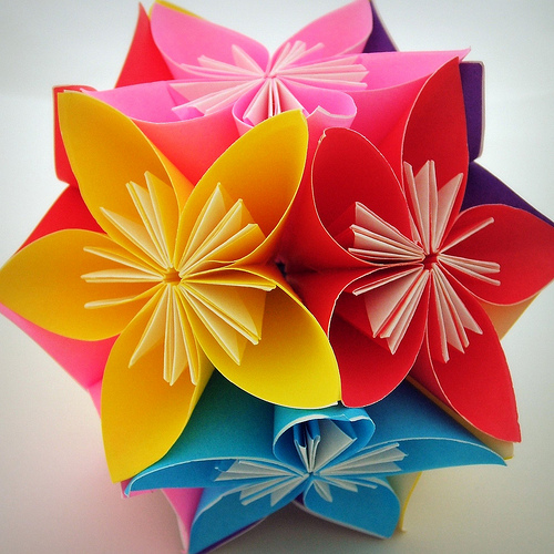 Цветок из картона своими руками
